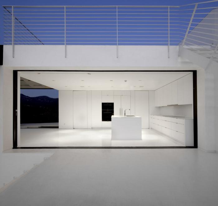 700_remodelista-xten-naka-house-01-jpeg