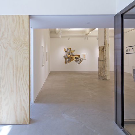 dezeen_Lehmann-Gallery-Hong-Kong-by-OMA_1a