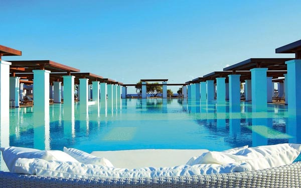 4-amirandes-grecotel-exclusive-resort-greece-amazing-travel-destination-swimming-pool-photography