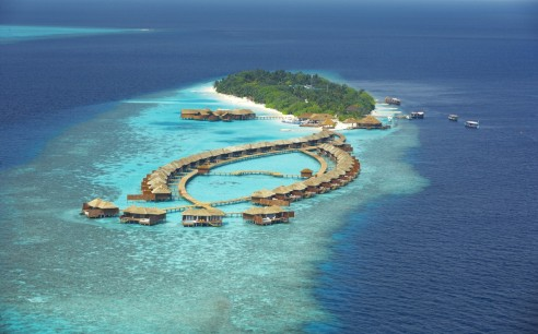 amazing-view-of-six-senses-resort-laamu-maldives-from-above