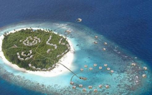Maldives-4-Island-Resort-640x402
