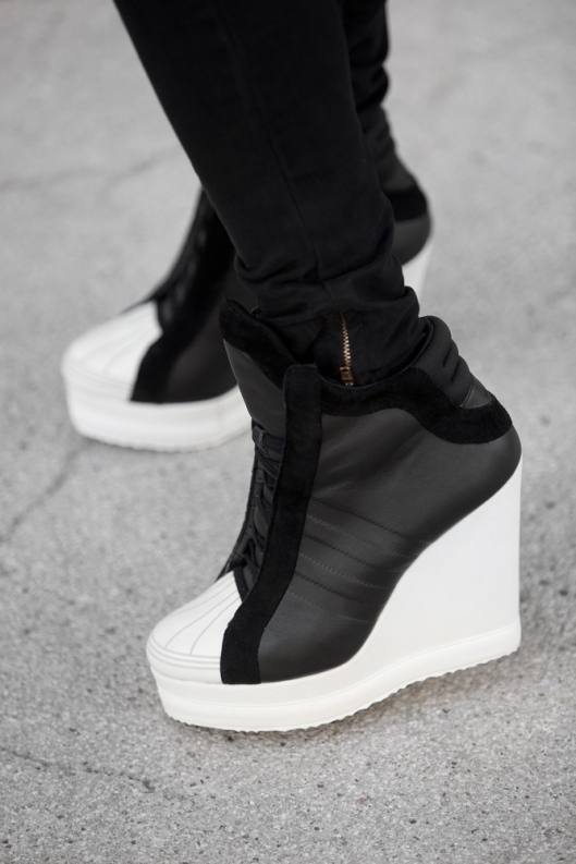 tbxc-adidas-sneakers-blvck