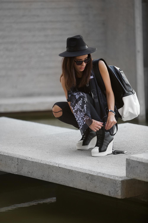 tbxc-blvck-adidas-originals-trill-1